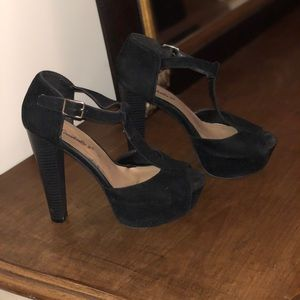 Breckelle's Brina Peep Toe High Heel T-Straps!